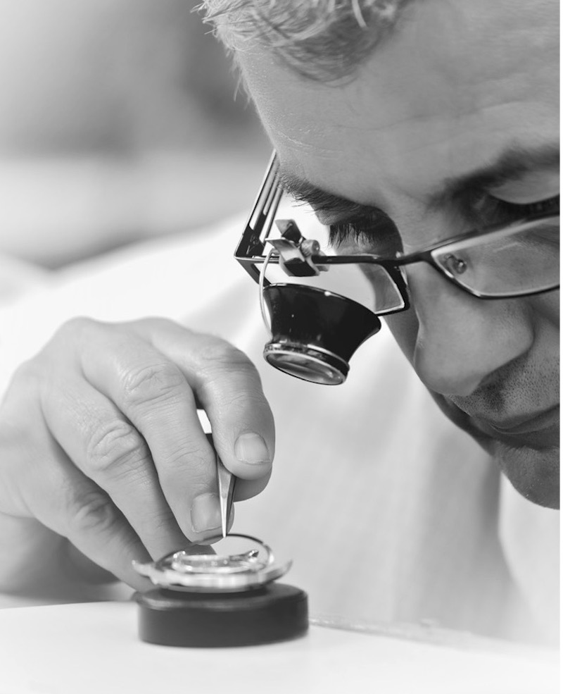 Baume & Mercier watchmakers have been building top-quality watches for more than 160 years.
